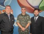 A partir da esquerda: Celso Teixeira, diretor de comunicação, Coronel Marcelo Maia Chiesa, Chefe da Seção de Comunicação Social do Comando Militar do Sudeste e Zacarias Pagnanelli, diretor nacional institucional